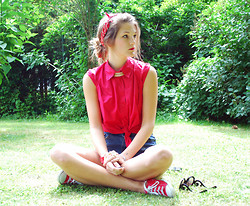 Catherine V. - Vintage Shirt, H&M Necklace, Romwe Short, Converse Shoes, Romwe Glasses, Mywatchy Watch - Brigitte - Oh la la ♥