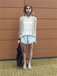 Inga Załucka - Casual Sweater, H&M Shirt, Reebok Shorts, Bazaar Shoes, Allegro.Pl Bag - Something goes right