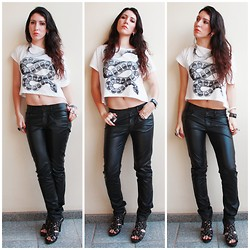 Raquel Tamiette - Leather Pants, T Shirt Snake - Black Leather