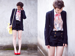 Barbara Zanella - Lez A Blazer, 2nd Floor Lion Shirt, Lez A Shorts, Enfim Yellow Bag - If I had a cat