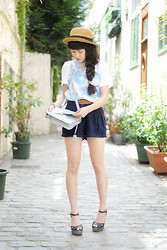 Leeloo P - Top Vivetta, Hat Naf Naf, Bag Kling, Shoes Emma Go, Short Shifumi - Summer Clouds