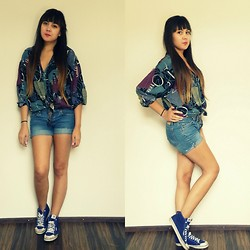 Angelina Sunshine - Vintage Shirt, Levi's® Shorts, Adidas Trainers - How I met your mother