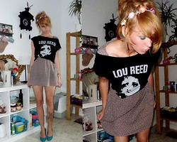 Ruby Red Tuesday - Lou Reed Fan Shirt <3, Vintage Floral Dress - Kissing in dark corners