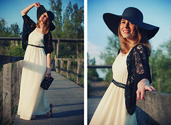 Macarena Gea - Coosy Dress, Suiteblanco Jacket, Stradivarius Floppy Hat, Malababa Clutch, Les Tropéziennes Sandals - Long long dress