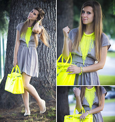 Eleonora Pellini - H&M Fluo Necklace, Only Nude Dress, Fluo Leather Bag - Fluo waterfall