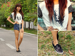Gela Muñoz - Sugarita Marilyn Monroe Tie Up Shirt, Forever 21 Navy Cut Offs, Sperry Sequin Top Siders - April Blues