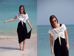 Sabrina N. - Shirt, Dress, N°A Earring - Beachin' it