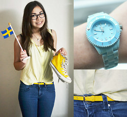 Cecilia Pettersson - Monki Tank Top, Converse, Bikbok Jeans, Regal Watch - ...and the Swedish flag!
