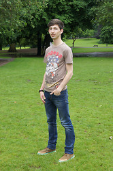 Christophe B. - Ed Hardy T Shirt, Guess? Jeans, Timberland Earthkeepers - Earthkeeper