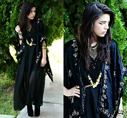 KENDALL SANCHÈZ - Sheer Black Dress, Vintage Most Jewelry, Vintage Gift Shawl - .Sour Girl//Giveaway.