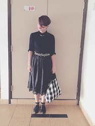 - sam e - - Black Shirt, Vintage Belt, Vintage Skirt, Leather Shoes, Checked Bag - Women in black