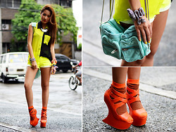 Laureen Uy - Surco Top, Lunachic Bangle, Alexander Wang Bag, Feet For A Queen Shoes - United Colors (BMS)
