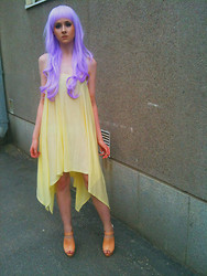 Rinka Essel - Ebay Wig, Cheap Monday Dress, Topshop Heels - Listen yellow