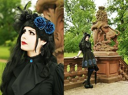 Mademoiselle Karma - Moi Meme Moitie   Holy Queen - Black and Blue.