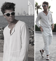 Andreas Wijk -  - White.