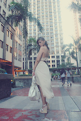 Jessie Kim - Forever 21 Beige Irregular Dress, Zahir White Leather Bag, A.Tyme White Wedges - Innocent