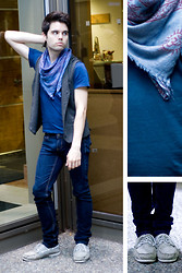 Joffery Hollsworth - Forever 21 Hoodie Vest, Zara V Neck Shirt, Aldo Boat Shoes - Ça va, mon ami?