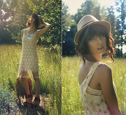 MaryAlice G - Forever 21 Fedora, River Island Crochet Dress, Minnetonka Fringe Sandals - Golden living dreams of visions