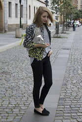 Pavlina J. - H&M Jacket, Topshop Top, Topshop Jeans, Loafers, H&M Clutch - Touch of neon