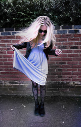 Malory Torr - Topshop Dress, Topshop Tights, H&M Sunnies - House of Holland.