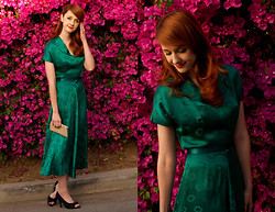 Jane Bennet - Vintage Handmade Dress, Mossimo Shoes, Clutch - Emerald City