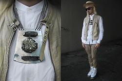 Andre Judd - Vintage Straw Boater, Linen And Leather Vest, Sepa Pyrite And Raw Quartz Crystal Neckpiece With Chain, Maison Martin Margiela Button Down Shirt, Snakeskin Flatform Booties - FARMER'S METEOR