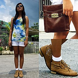 Bianca Bonilla - Police Mom's Vintage Sunglasses, Tie Dye Top, Nine West Bag - Sky is the Limit