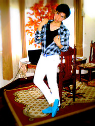 Glenn Torres - Guess? Longsleeves, Guess? White Pants, American Eagle Slip Ons - Blue Hints