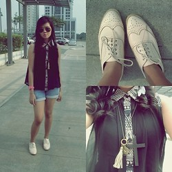 Alex Alfonso - Cross Necklace, Pink Watch, The Closet Shop Https://Www.Facebook.Com/Pages/The Closet Shop/102109126594831 White Feather Earrings, Ray Ban Aviators, Denim Shorts, Oxford Shoes, Tassel Necklace - Aztec for Today <3