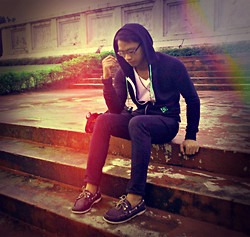 Ervin Tamondong - Dc Jacket, Hanes Shirt, Penshoppe Jeans, Dockers Shoes - ITS RAINY DAYS --->