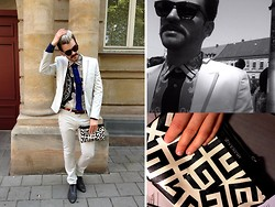 Dimitrios Pispilis - Givenchy Clutch, H&M Off White Suit Conscious Collection, Zara Shirt With Print - WeddingTime