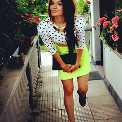 Nina Star - Oasap Necklace, Vintage Neon Skirt, Love Shirt, H&M Shoes - Neon  Dots