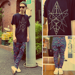 $xxxxvxO  Pxxv$$x YvxE - Blood Is The New Black Tee, Henrik Vibskov Pants - ENNEACRAFT