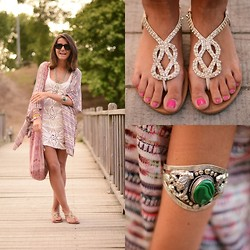 Alexandra Per - Friis & Company Sandals, Madlady Bracelet, Emma O Clothing Dress, Hippie Beach Market Bag - Hippie crochet