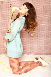 Zoë Harvey - Vintage Blue Baby Doll Dress, Betsey Johnson Rose Tights, Vintage White Oxfords - Careless Love