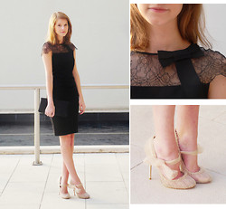 Emma Sngn - Valentino Lace Dress, Clutch, Valentino Tulle Shoes - Valentino