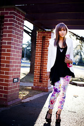 Jiawa Liu - Asos Floral Trousers, Mimi And Jimi T Bar Platform Sandals, Witchery White Blazer - I'd rather be a wild flower than a rose