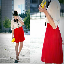 Inna Gutman - Topshop Top, Vintage Skirt, H&M Bagbox, Marni Collar - RED obssesion