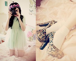 Bonnie Barton - Dress, Pink & Pepper Shoes, Floral Crown - In My Room