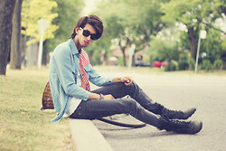 Bobby Raffin - The Black Market Combat Boots, Romwe Stripes And Stars, Grey Skinny, Ray Ban Wayfarer Shades - Everyday Weekend
