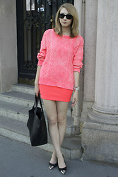 Pavlina J. - H&M Sweater, H&M Skirt, Topshop Shoes, Céline Bag - NEON