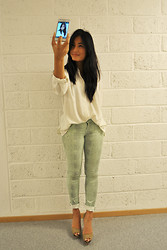 Kannika Jank - Vintage Shirt, H&M Pants, Zara Shoes - HER EGO TIME
