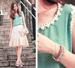 Mayo Wo - Romwe Daisy Chiffon Vest, Ministry Of Retail Double Layer Skirt, House Of Luxe Floral Bracelet - Ornateness