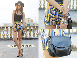 Patricia Prieto - Silay Printed Shorts - Closer to the Light