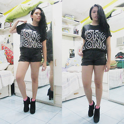 Lesly D. - Dad's Hongkong Tee, Thrifted Leather Shorts, Thrifted Black Suede Booties, Novo Pink Socks - I am lost in Hongkong