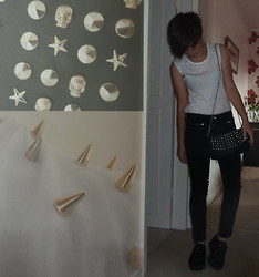 Alice Marie - Zara Studded Vest, Studded Shoulder Bag, Underground Creepers - DO YOU BELIEVE IN HALLUCINATIONS?