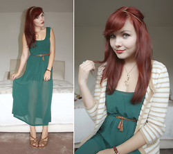 Paige Joanna Calvert - Emerald Green Midi Dress, Primark Strappy Wedge Sandals - Pretty green eyes.