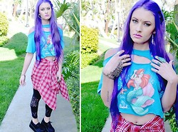 Seaghna Wilson - Thrifted/Diy Little Mermaid Tee, Thrifted Flannel, Crash & Burn Lace Pannel Leggings, Demonia Creepers - Little acid mermaid