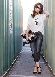 Adriana Gastélum - Oasap Sunglasses, Yves Saint Laurent Old Ysl Logo, Collage Boutique Leopard, Oasap Boyfriend Jeans - Relaxed YSL