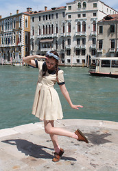 Petite Mädchen - Vintage Square Scarf, Romwe Apricot Peter Pan Collar Dress, Dr. Martens Ugly Brown Shoes That I Adore - Ahoy Matees! I'm in Venice!